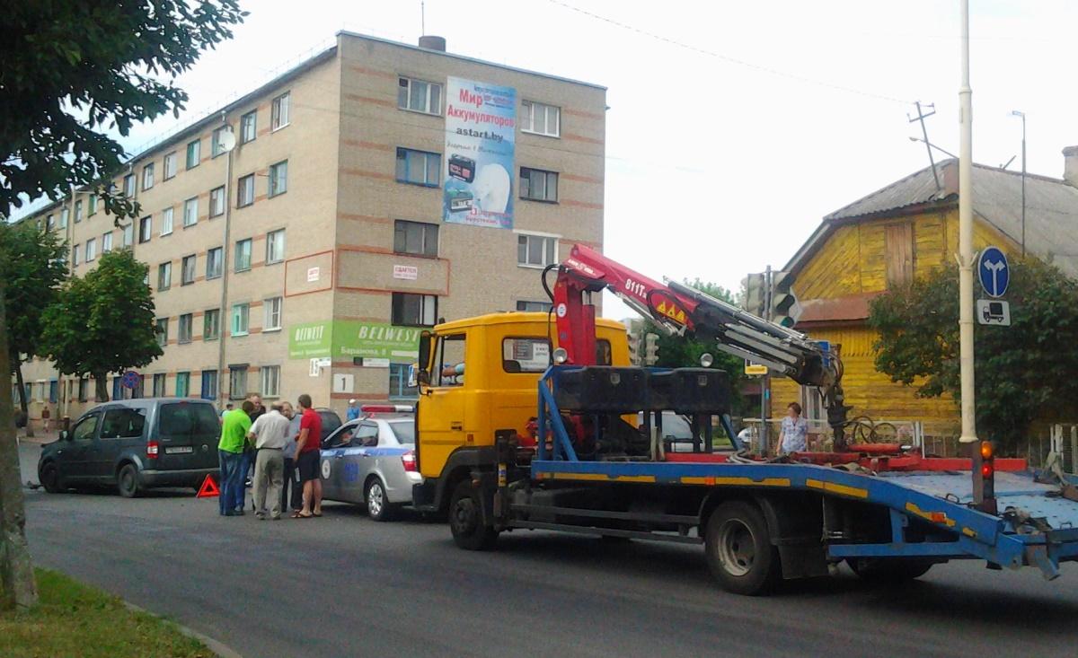 Авария произошла 13 августа на перекрестке улиц Баранова и Советская.