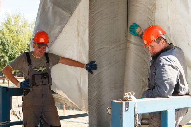 Рабочие приступили к ремонту 17 августа. Фото: Александр КОРОБ