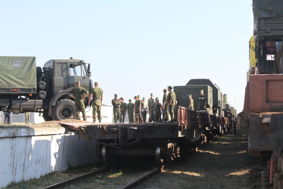 Погрузка на военный эшелон прошла 21–24 августа. Фото: Татьяна МАЛЕЖ