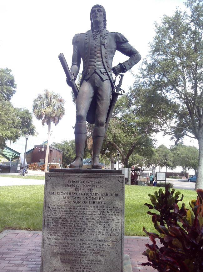 Памятник Тадеушу Костюшко в г. Санкт-Петерсбург, штат Флорида