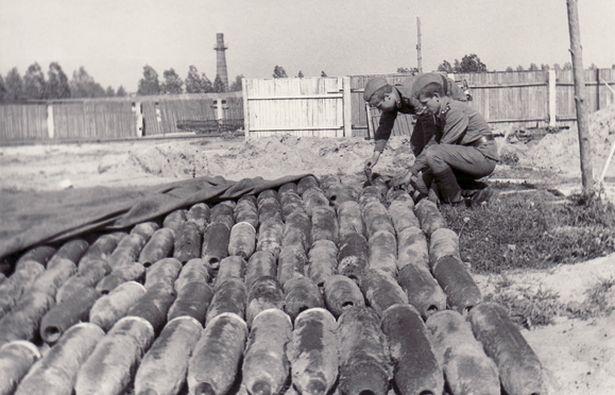 На будаўнічай пляцоўцы ў Баранавічах салдаты і афіцэры дасталі з катлавана 963 снарады.