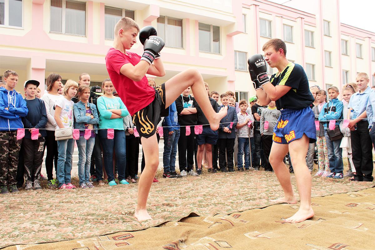 Показательные выступления по таиландскому боксу