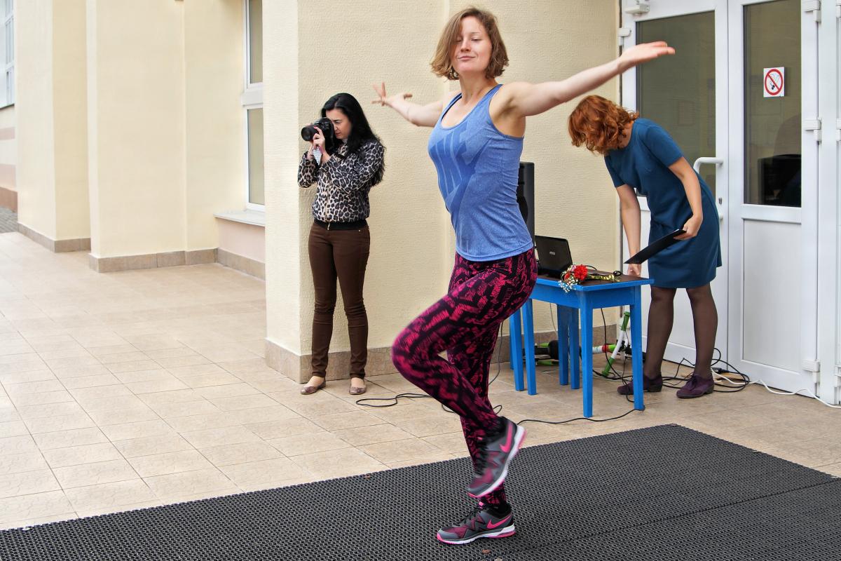 Провела разминку фитнес-инструктор Надежда Гучок.