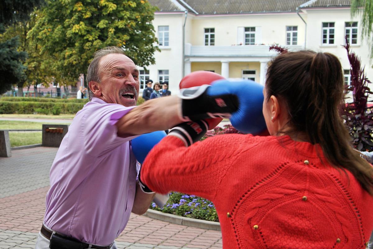 Не удержался от участия в мастер-классе и Анатолий Хвойницкий.