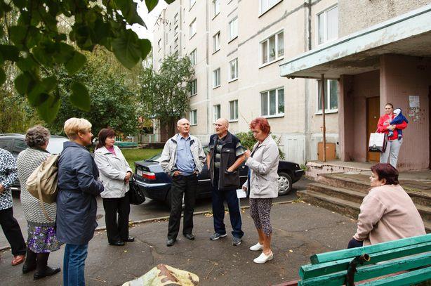 Жители улицы Заслонова уже несколько месяцев ведут переписку с чиновниками. Фото: Александр КОРОБ.
