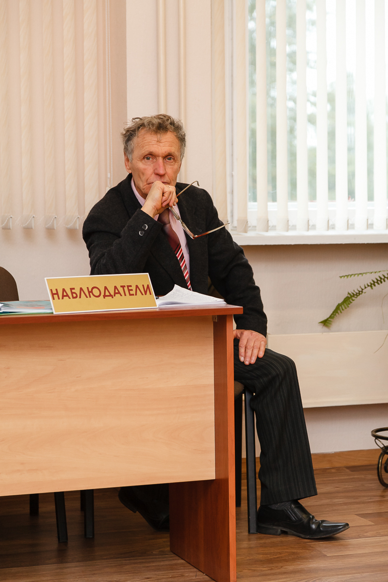 Николай Черноус на выборах в Барановичах. Фото: Александр КОРОБ
