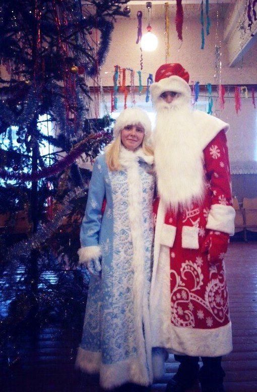На новогоднем торжестве в Туховичской школе. Фото: архив Елены КОЗЛОВОЙ