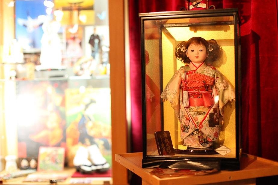 Японские куклы. Фото: Александр КОРОБ.