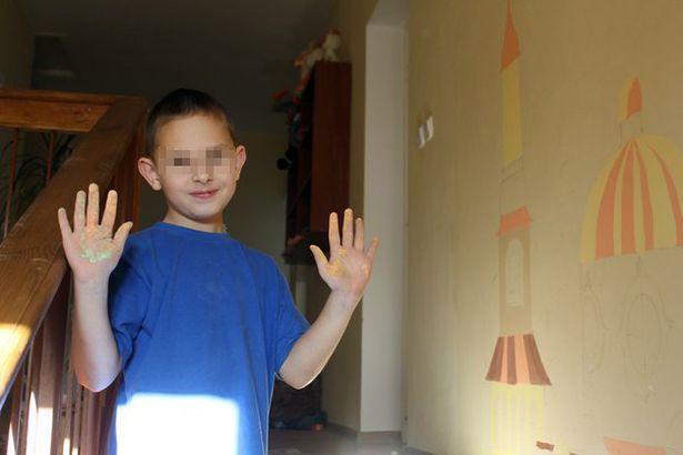 Кирилл уже больше полугода живет в детском доме семейного типа. Он занимается спортом, музыкой, посещает воскресную школу. По словам приемной мамы, сейчас у него все хорошо. Фото: архив приемной семьи