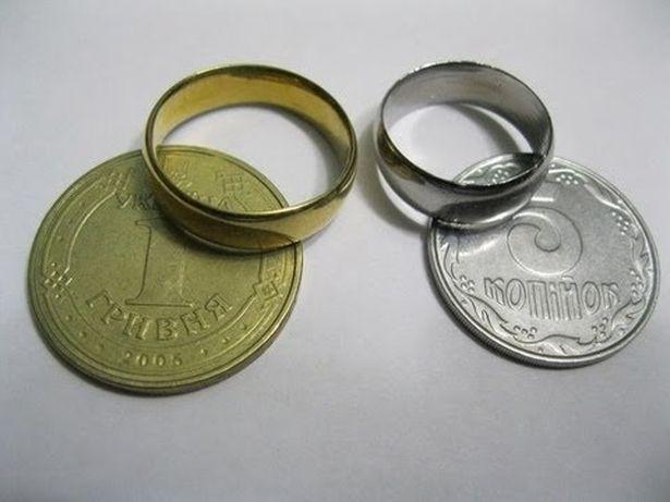 Кольца из монет. Фото из соцсетей.