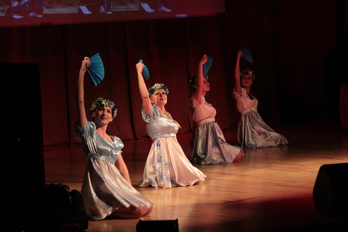 Танцевальная группа БарГУ Travelling