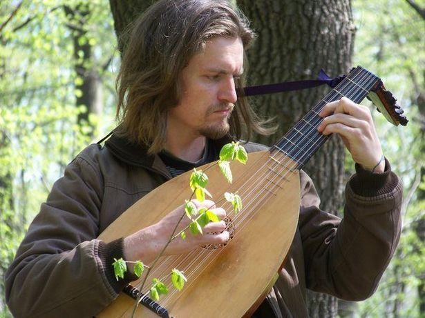 В Барановичах Глеба Малиновского знали в первую очередь как талантливого музыканта. Фото: личная страница в Фейсбуке.