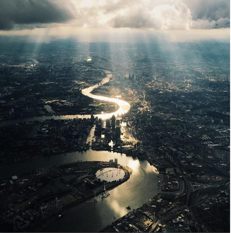 «Hello London» –  краявід Лондана зроблены з самалёта мабільным тэлефонам. Фота: Maria Farrelly, UK, Entry, Open, Architecture, 2016 Sony World Photography Awards