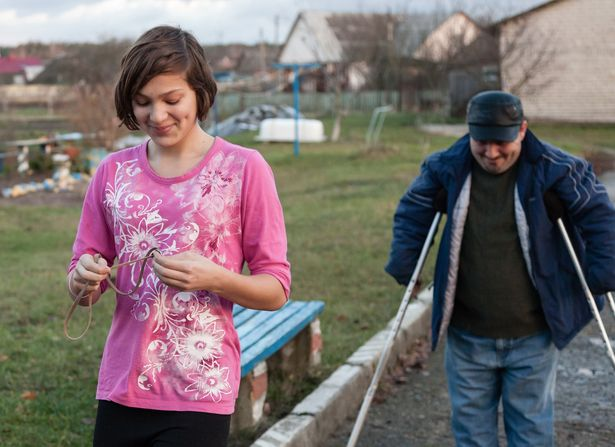 Уже 13 лет борется за право считаться настоящим отцом для дочери Анны инвалид с рождения Борис Фейгин.