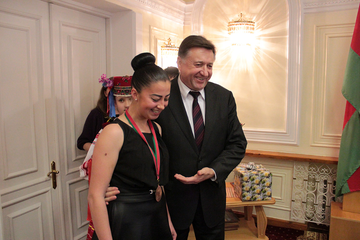 Елена Власова – с заслуженной наградой