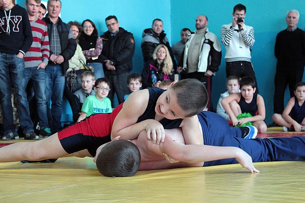 В Барановичах прошло открытое первенство по греко-римской борьбе.
