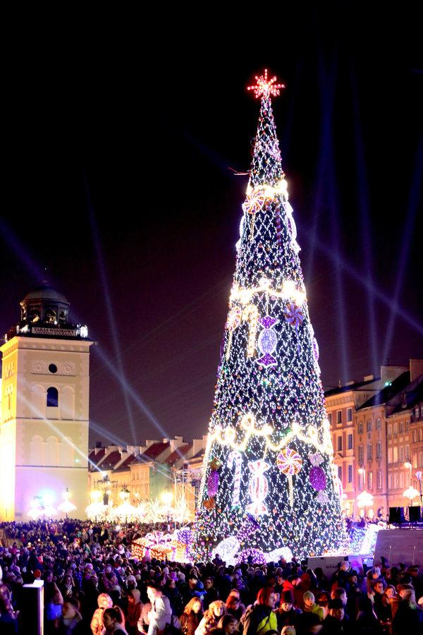 Варшавская елка. Фото с сайта theculturemap.com