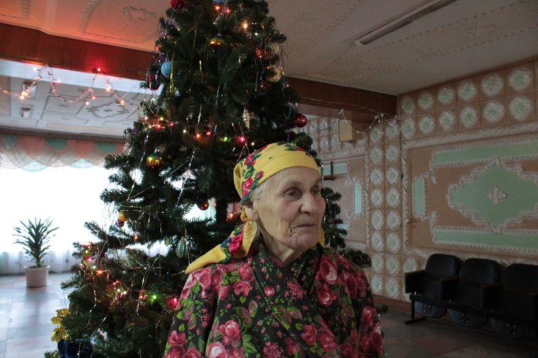 Прасковья Байковская очень любит Новый год и ждет подарки. Фото: Юрий ПИВОВАРЧИК.