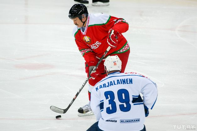 Александр Лукашенко на турнире. Фото: tut.by
