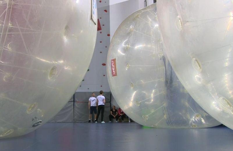 Большие надувные шары. Фото с сайта pulsmiasta.tv
