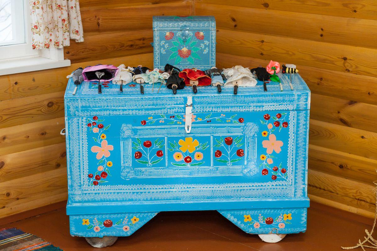 Куфар у Раённым цэнтры рамёстваў. Фота: Аляксандр КОРАБ