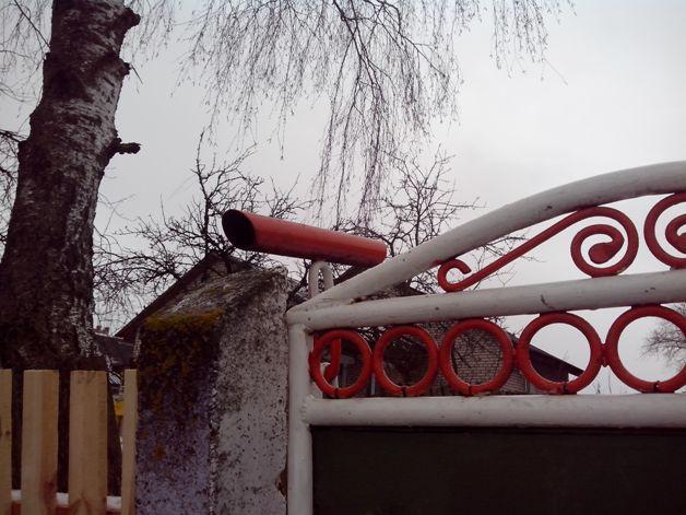Ящик-подзорная труба. Фото: Наталья СЕМЕНОВИЧ