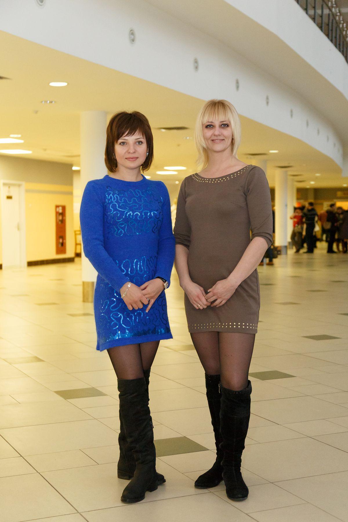 Две Ольги перед началом концерта. Фото: Александр КОРОБ