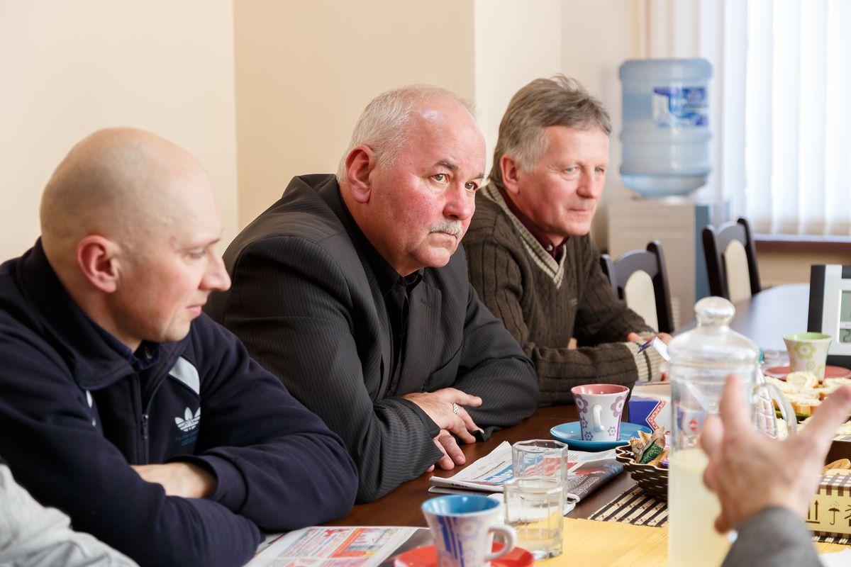 Андрей Лагунский, Владимир Майсюк и Георгий Бельский (слева направо) стали одними из самых активных участников круглого стола. Фото: Александр КОРОБ