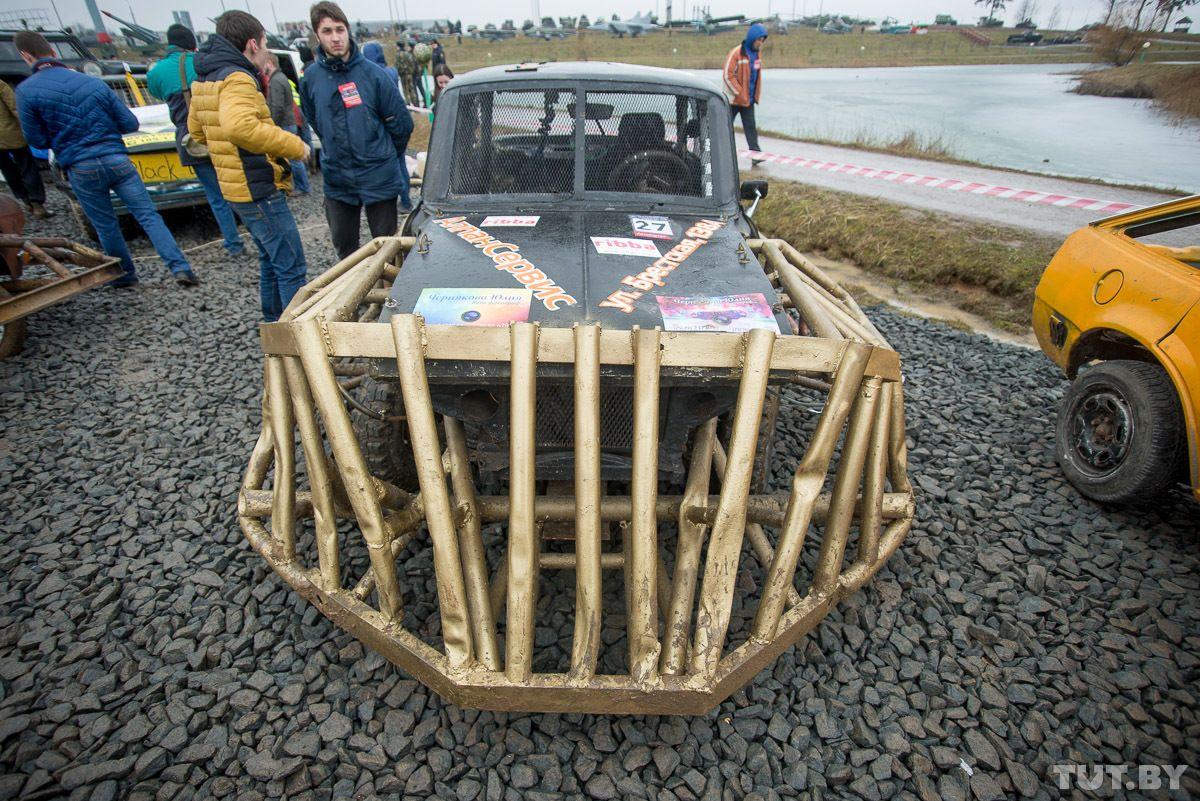 Все желающие могут сфотографироваться с автомобилем Митяй по адресу Брестская 138 А. Фото: tut.by