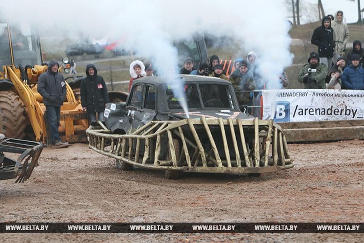 Фишка машины – огнедышащий дракон. Фото: tut.by