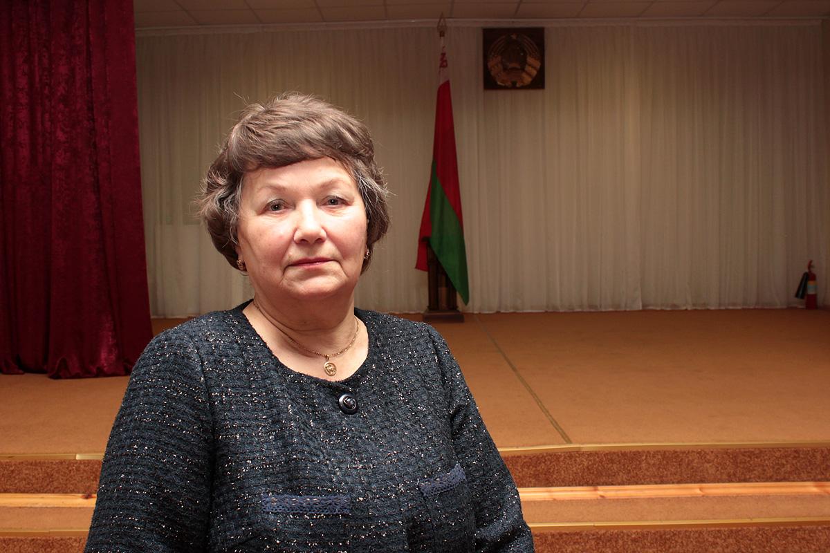 На вечарыне прысутнічала сястра Людмілы Плотнік – Вольга. Фота: Юрый ПІВАВАРЧЫК
