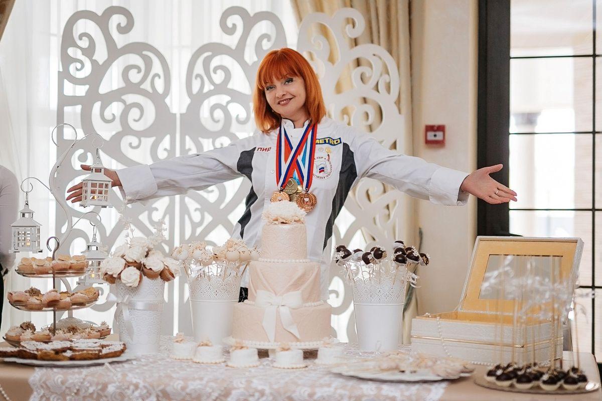 Кондитер Ольга Рыбалтовская. Фото: Татьяна ГЛУШАКОВА