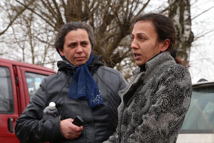 Участницы конфликта с контролерами Любовь Базылевич и ее мать. Фото: Александр КОРОБ.