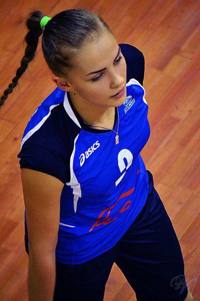 Анастасия в составе барановичской волейбольной команды. Фото: архив Анастасии ШУМЕЙКО.