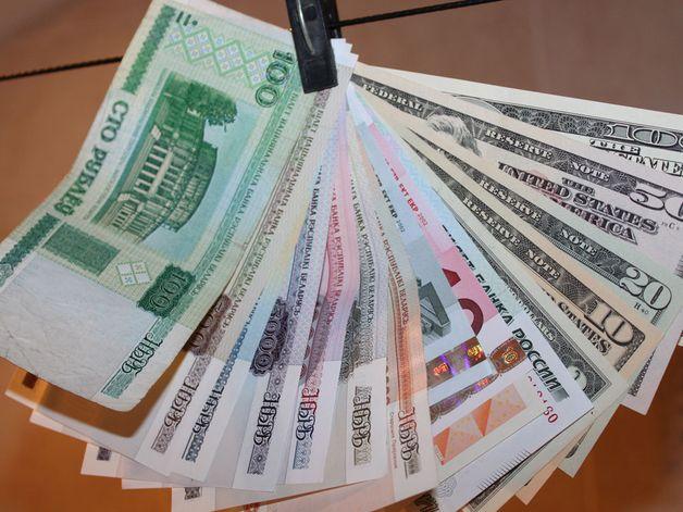 Зарплата в Беларуси за месяц выросла на 479 тысяч рублей
