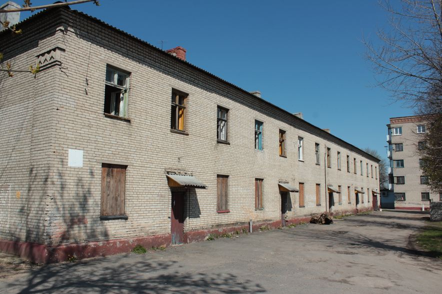 Бывший жилой дом на ул. Тельмана со стороны дворовой территории. Фото: Юрий ПИВОВАРЧИК.