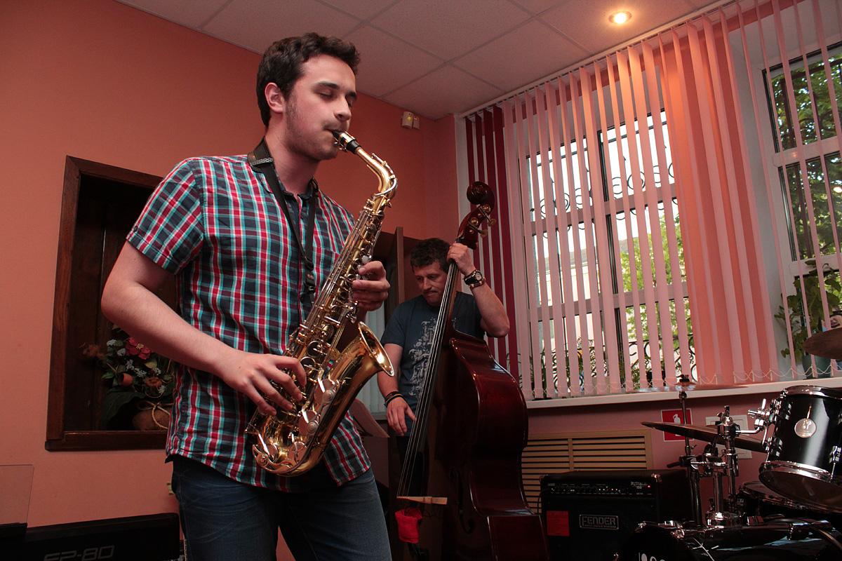 Концерт ансамбля джазовой музыки Барановичского государственного музыкального колледжа. Фото: Юрий ПИВОВАРЧИК