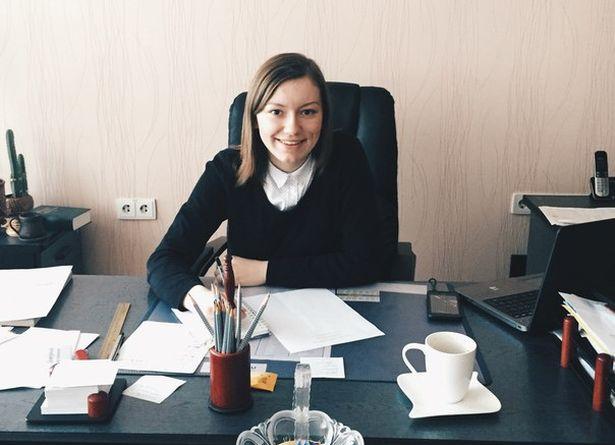 Анна Ярук в кабинете директора в день самоуправления. Фото: архив героини.