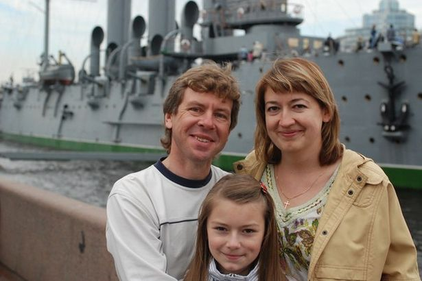 Анна Ярук с родителями в Санкт-Петербурге, 2010 год. Фото: архив героини.