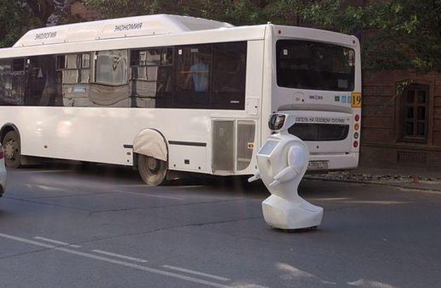 Робот, сбежавший с полигона.