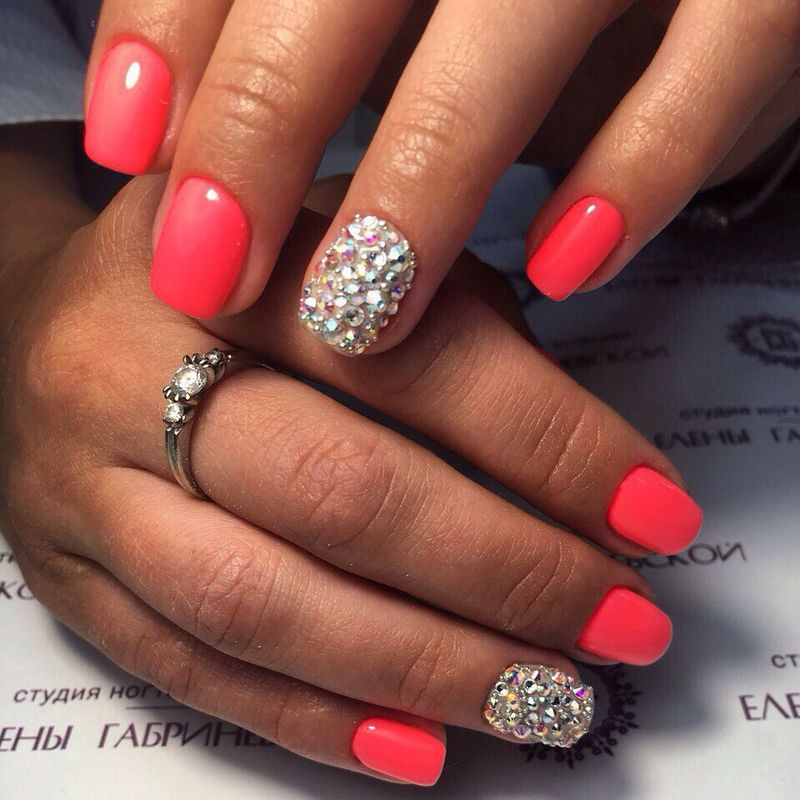 В моде короткие ногти. Фото: Студия ногтевой эстетики Елены Габриневской.