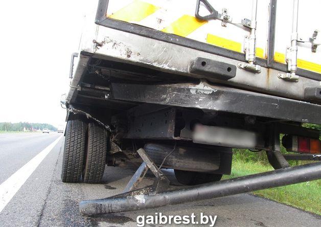 В Ивацевичском районе столкнулись два автомобиля.
