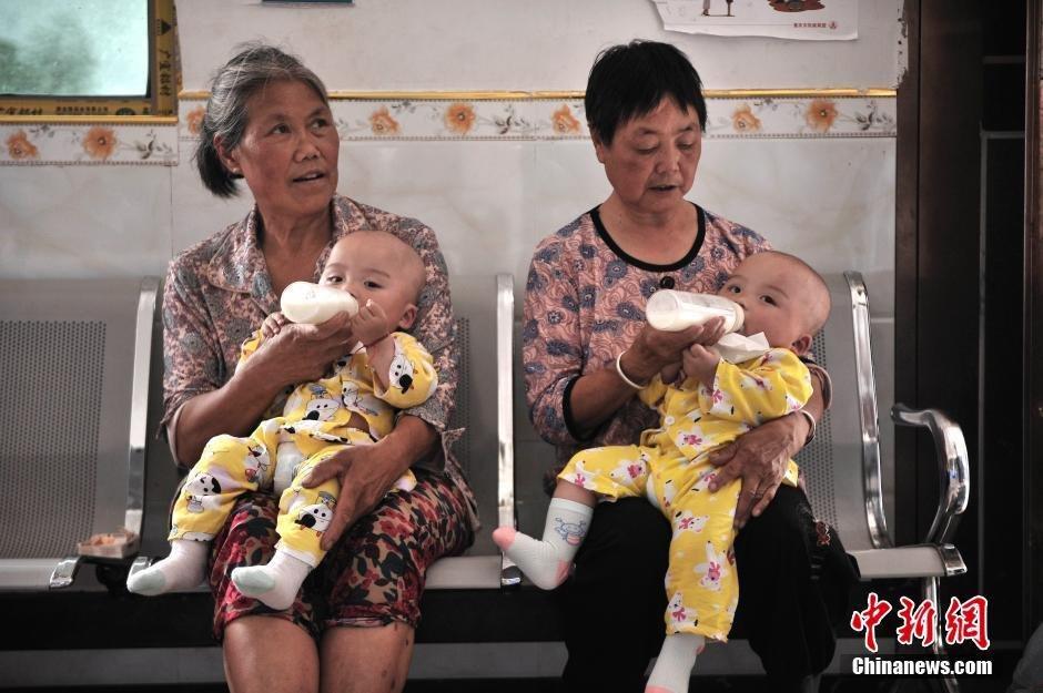 В китайской деревне проживает 39 пар близнецов.