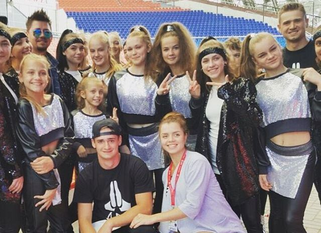 Барановичские танцоры вместе с Тео. Фото: архив ANANKO DANCE SCHOOL