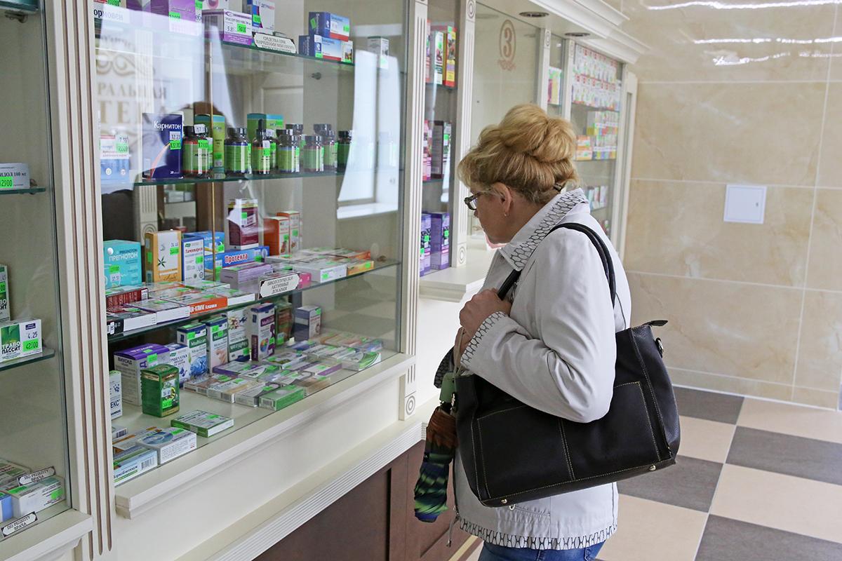 Витрина с лекарственными препаратами