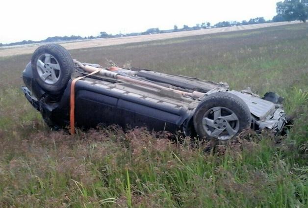 Шофёр заснул зарулём иопрокинулся вкювет: умер пассажир
