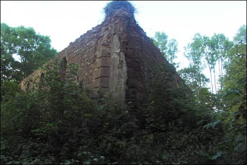 Руины церкви Святой Троицы в Большой Своротве до 2004 года. Фото: Василий ФИЛИПЧИК