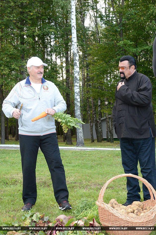 Александр Лукашенко и Стивен Сигал.