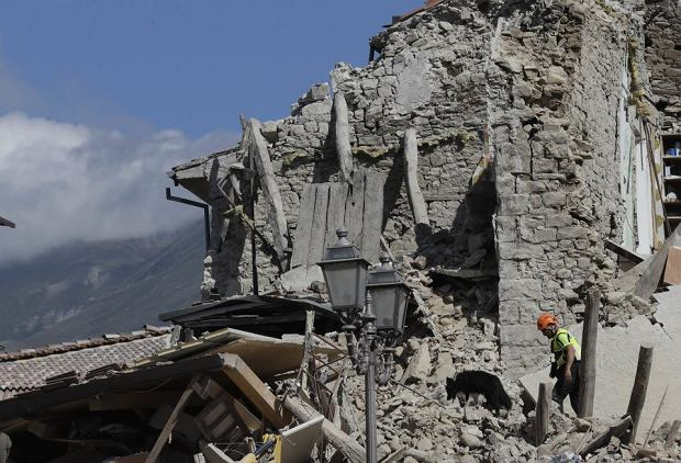 Последствия землетрясения в Италии.