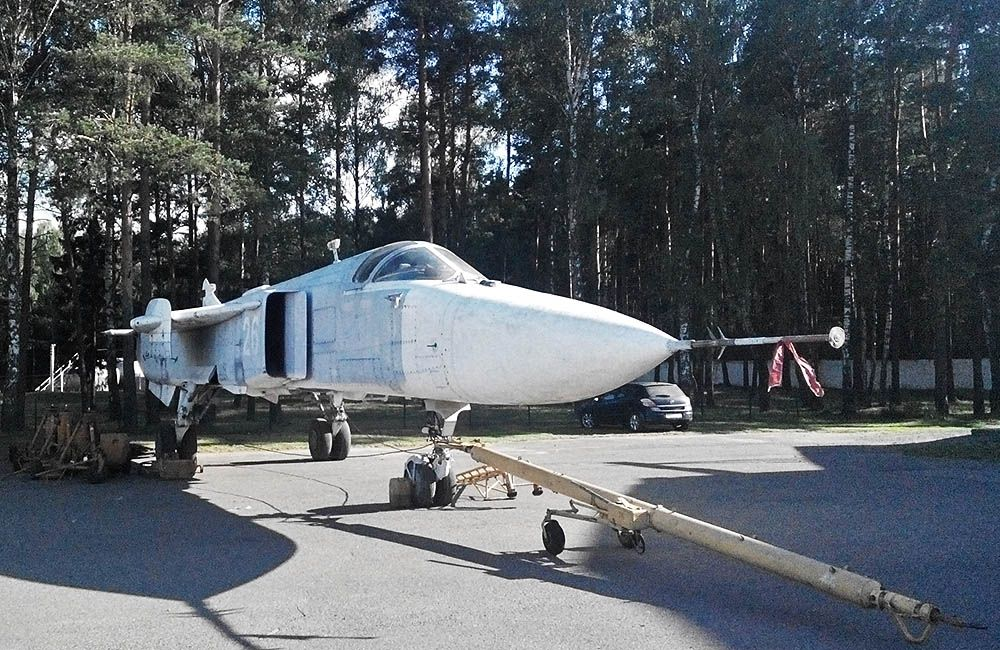 Сборка самолет на аэродроме в Боровой. Фото: сайт aircraft-museum.ucoz.ru